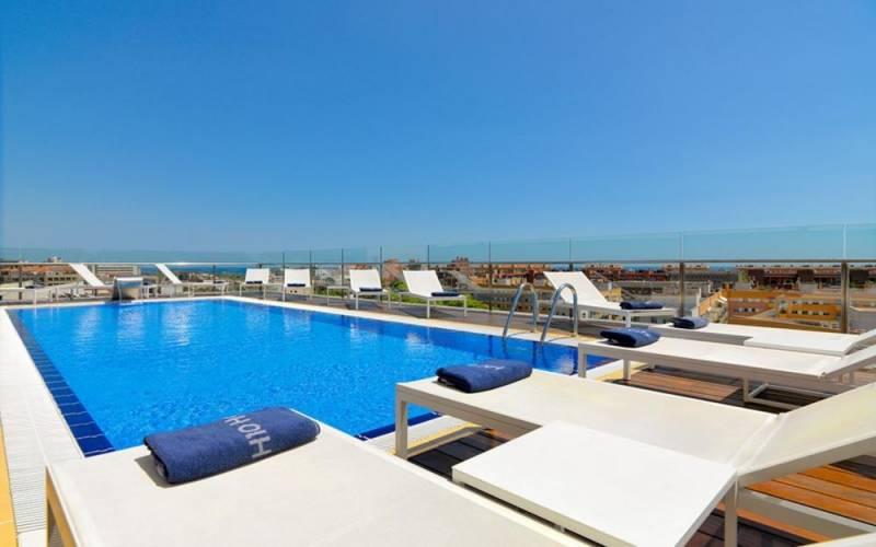 hotel h10 marina barcelona: Circuito con comida o cena para 2 por 39,90€ 2