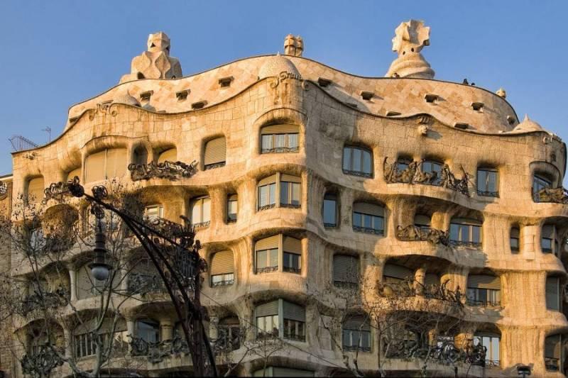 QUE BARCELONA: LA PEDRERA 49