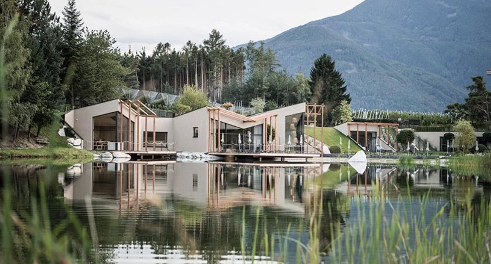 el hotel seehoftiene una atmósfera alpina y mediterránea 4