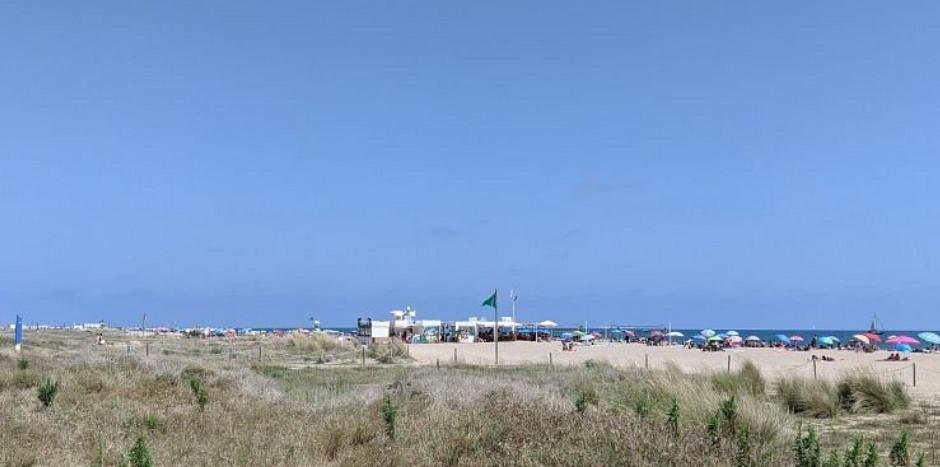 en la playa de castelldefels