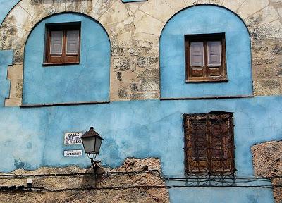 LA FOTO DE HOY: casa blava del casc antic 2