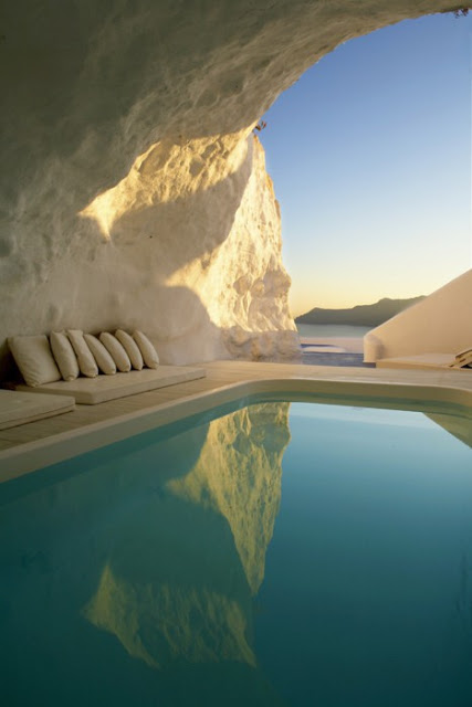 UN LUGAR: Natural Pool, Santorini, Greece 2