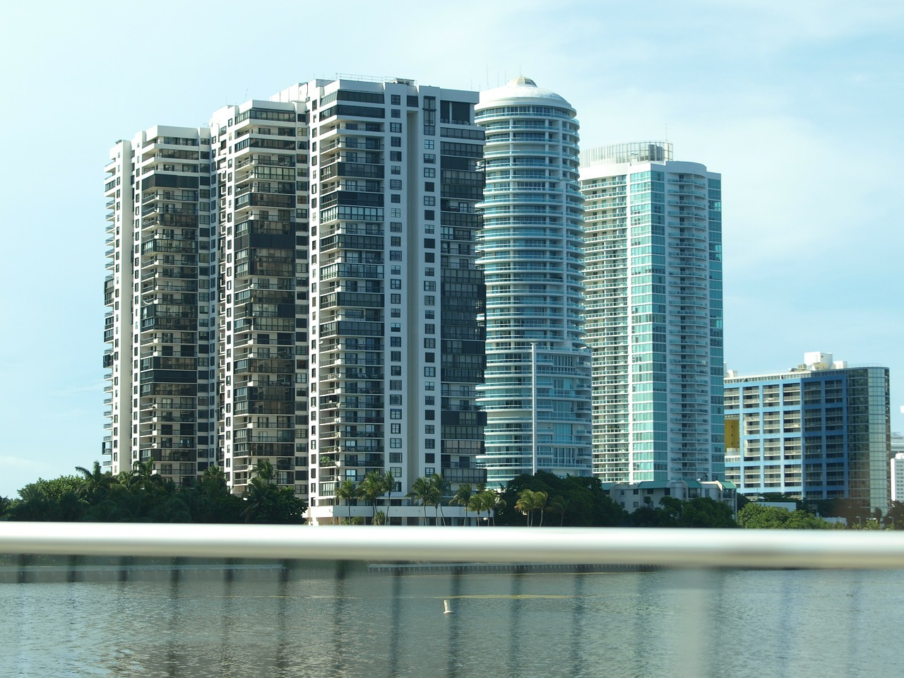 Recuerda que Miami es seguro - Aunque Miami no es tan asequible como Orlando PUEDES AHORRAR EN TUS VIAJES A MIAMI - Miami precios...