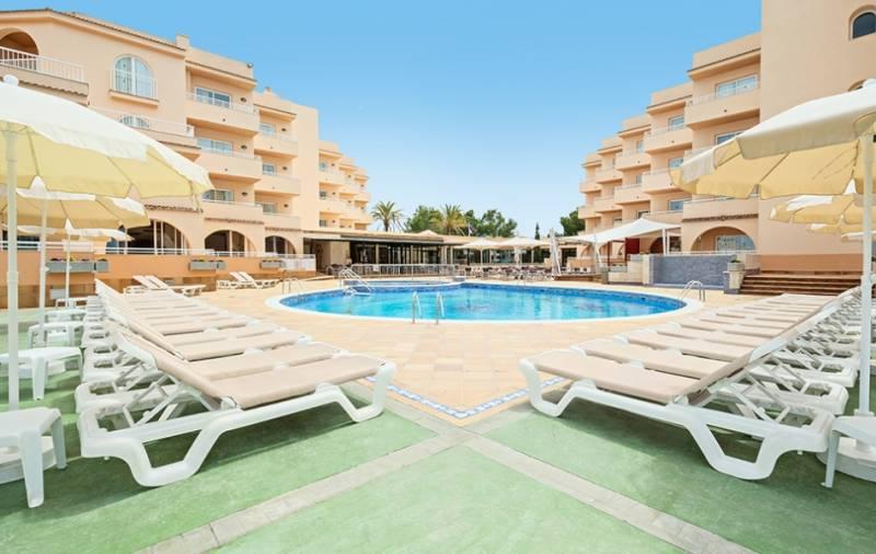 rosamar aparthotel ibiza: en Bahía de San Antonio de Portmany 2