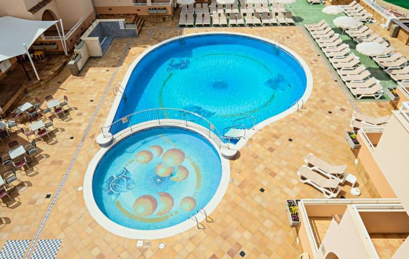 rosamar aparthotel ibiza: en Bahía de San Antonio de Portmany 3